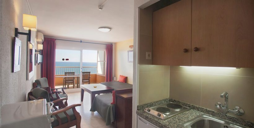 Studio sea view 2 Pax (front or side) (2)